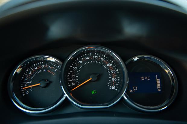 Фото №4 - Renault Logan Stepwaу: каршеринг минус
