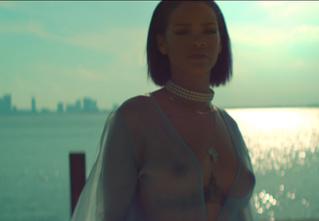 Рианна повышает градус! Новый клип еще эротичнее предыдущего