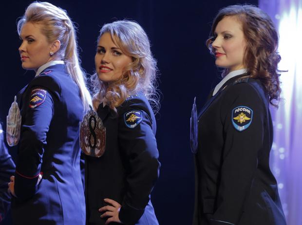 Фото №18 - Самые красивые девушки-полицейские мира