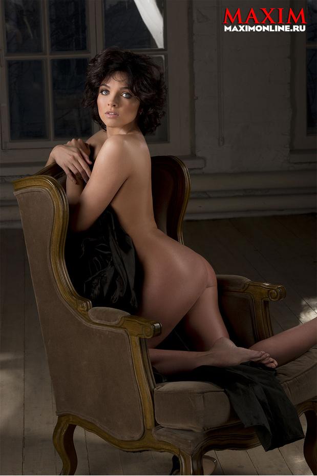Порно актриса дает автографы
