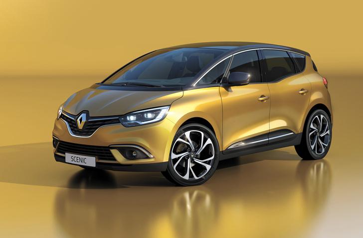 Фото №6 - Почему все следят за цветом кроссовок главного дизайнера Renault?