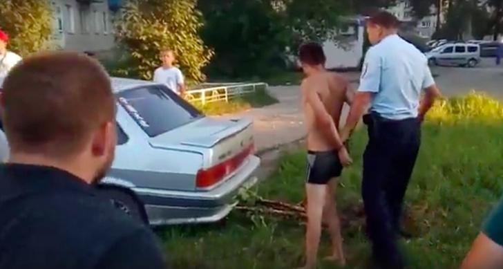 Фото №1 - GTA под Пермью. Полиция гоняется за дебоширом в трусах (ВИДЕО)