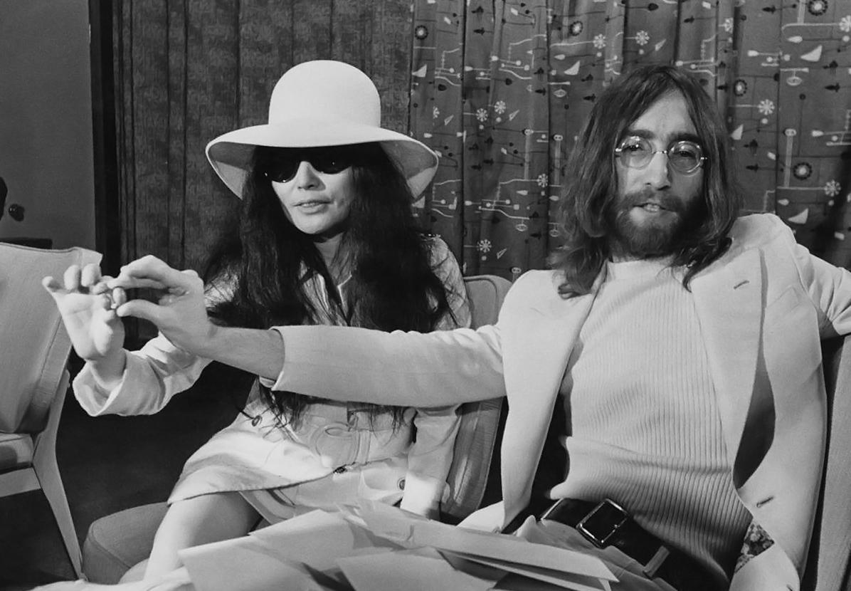Джон леннон и ойко оно фото