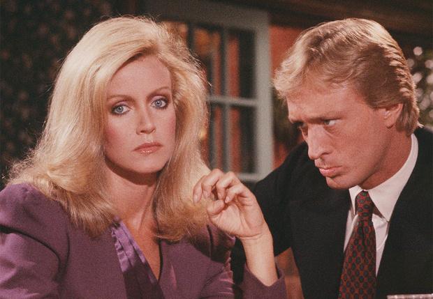 Можно ли убедить вон ту эффектную блондинку за соседним столиком влюбиться в тебя с первого взгляда?