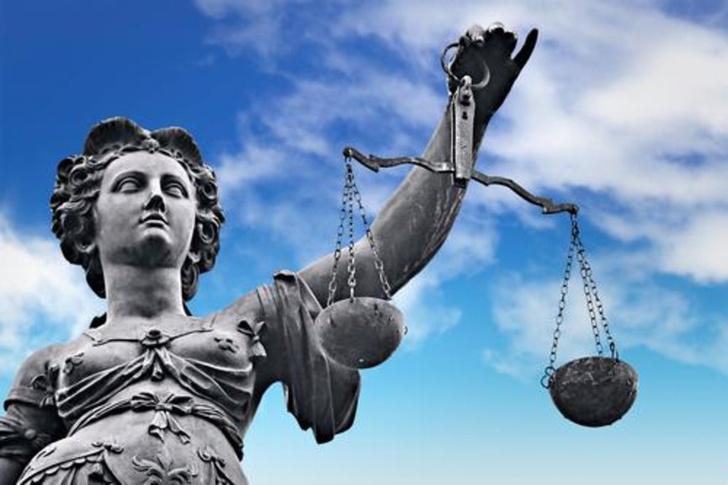 Фото №1 - Американский судья спросил у истца, пыталась ли она сопротивляться изнасилованию. Его отстранили от работы