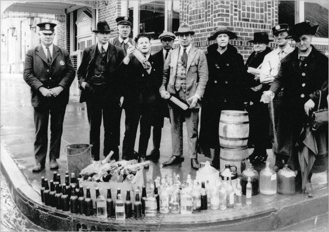 Бороться с алкоголем бесполезно и даже вредно — доказано историей