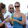 Фото №16 - Красавицы и сигареты. Звезды женского пола, которых никто не заподозрил бы в курении