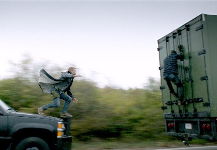 Фото №1 - Первый трейлер фильма-катастрофы «Ограбление в ураган». На русском!