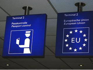 Евросоюз установит на пограничных пунктах роботов с детектором лжи