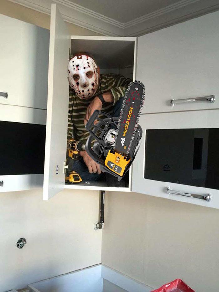 Фото №3 - В Сети набирает популярность флешмоб «Надежный шкафчик на одного»
