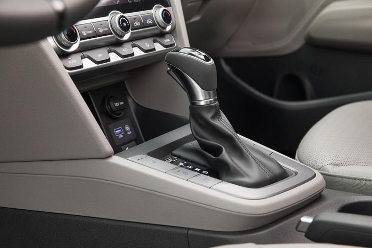 Фото №5 - Hyundai удивила ценой обновленной Elantra