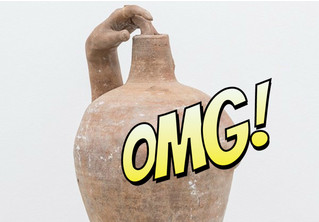 Полюбуйся на пикантные творения английской художницы. Да, это вазы с сосками!
