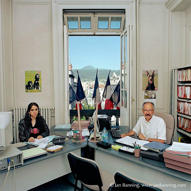 Фото №16 - Как выглядят кабинеты чиновников и служащих в разных странах