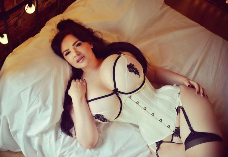 Фото №2 - Дочь Жан-Клода Ван Дамма, пышка недели, «ангелы селфи» и другие самые сексуальные девушки недели