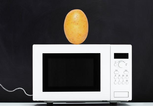 Фото №1 - Как сделать чипсы в микроволновке