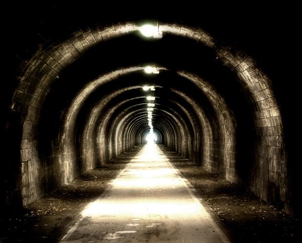 Фото №2 - 8 красивых и странных подземных городов