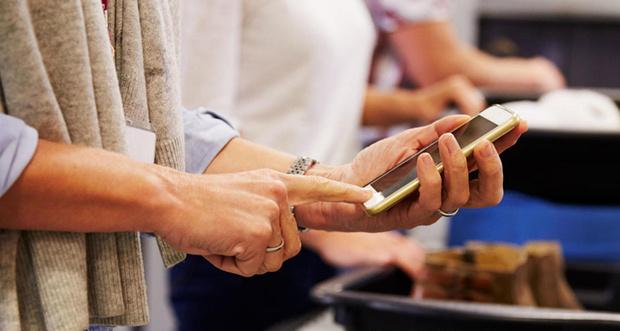 Фото №1 - Новая Зеландия ввела штраф в 3250 долларов за отказ предоставить пароль от смартфона на границе
