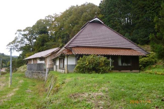 Фото №2 - В Японии начали массово продавать за бесценок или отдавать бесплатно пустующие дома