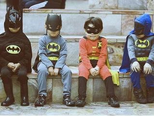 Важное исследование: дети работают лучше, если они в костюме Бэтмена