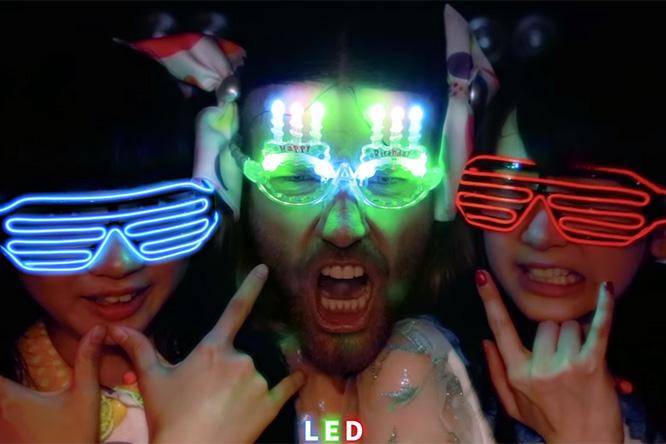 Фото №1 - Клип японской группы Ladybaby: Это хочется пересмотреть и развидеть одновременно