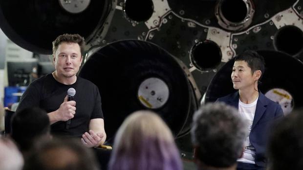 Фото №1 - Илон Маск назвал имя первого путешественника вокруг Луны