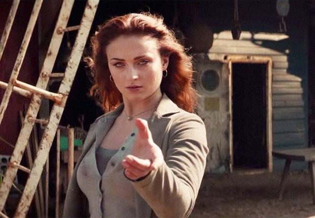 Фото №1 - Яростная и прекрасная Софи Тернер в новом трейлере фильма «Люди Икс. Темный Феникс»