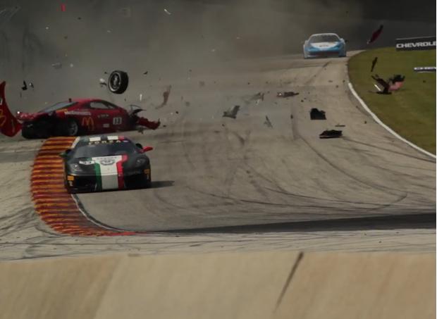 Фото №1 - Две машины столкнулись в воздухе на скорости 240 км/ч (ВИДЕО)