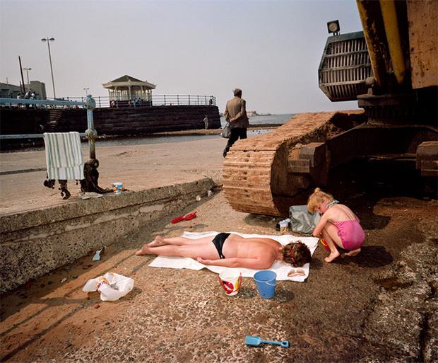 Фото №34 - Обычный туристический ад: фотографии английского курорта в 80-е