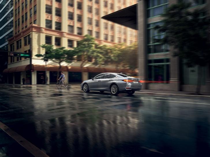 Фото №1 - Искусственный интеллект создал захватывющий сюжет для видео Lexus