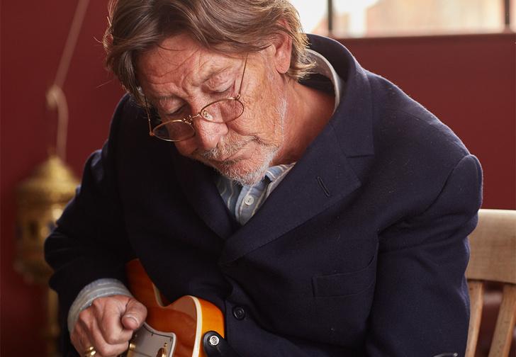 Прославленный британский гитарист и композитор, автор хитов на все времена Road To Hell и Josephine, возвращается с новым альбомом Road Songs For Lovers