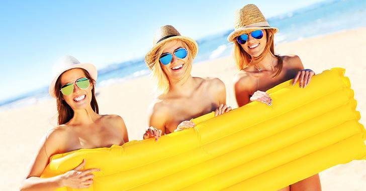 Фото №1 - Все, что нужно знать начинающему нудисту: советы, правила и адреса пляжей
