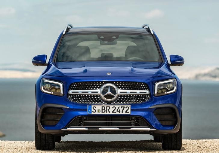 Фото №2 - Mercedes-Benz GLB: внедорожников не может быть слишком много