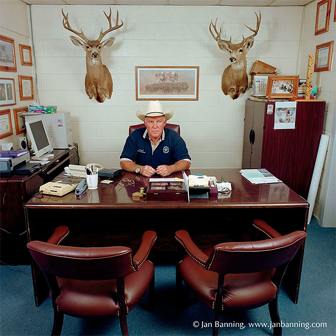 Фото №23 - Как выглядят кабинеты чиновников и служащих в разных странах