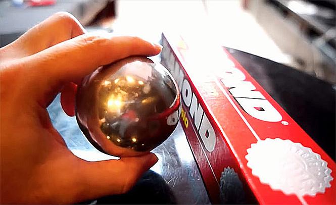 Фото №5 - Полировка шаров из фольги— популярное японское хобби