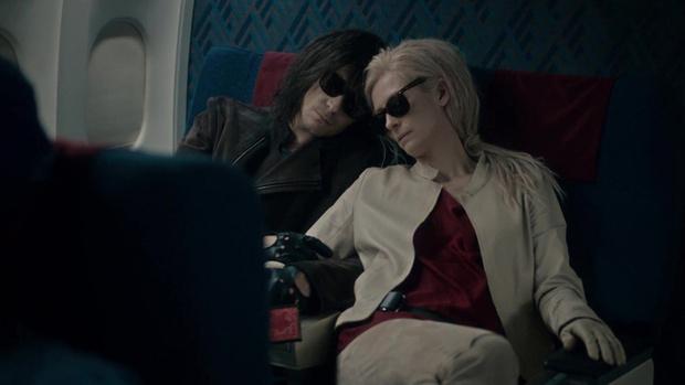 Фото №2 - 5 причин не становиться вампиром после просмотра нового фильма «Выживут только любовники»