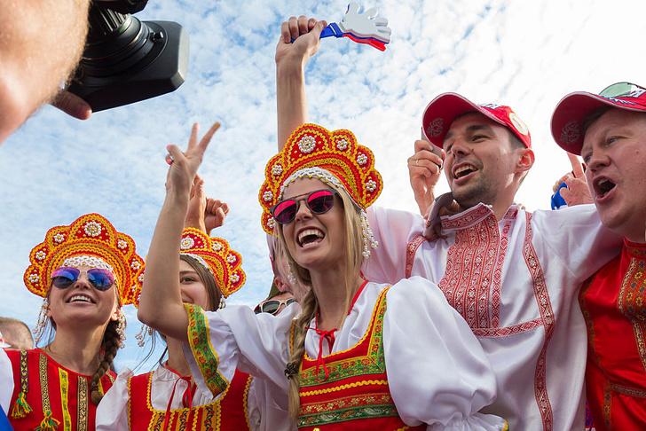 Фото №5 - Самые прекрасные русские болельщицы во Франции
