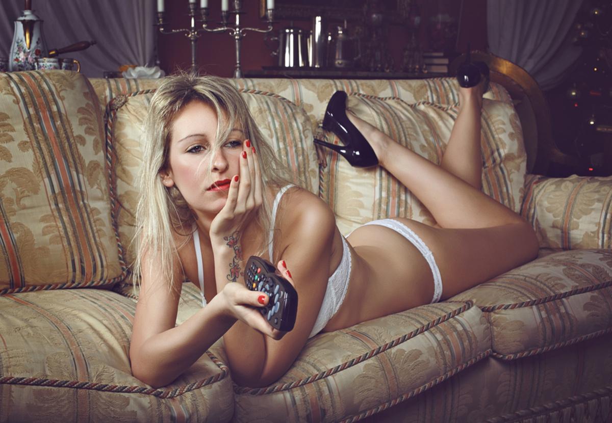 Порно реальные девушки онлайн прямо сейчас эротика спящими любовницами натянул