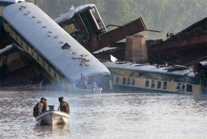Фото №26 - Самые впечатляющие фото железнодорожных катастроф