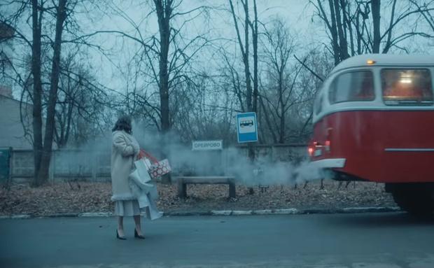 Фото №1 - Наталия Орейро сняла новогодний клип в Балашихе. Смотри, что получилось