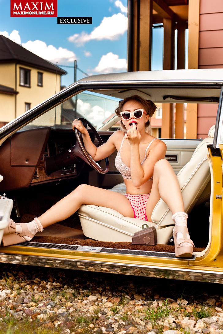 Фото №3 - Виктория «Пупок» Клинкова из сериала «Физрук» — эксклюзивные фотографии для читателей сайта MAXIM!