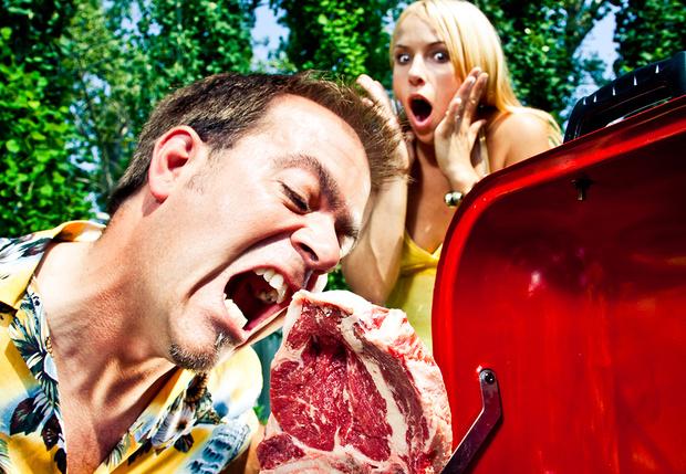 Фото №1 - Зоозащитники из Peta обвинили мясоедов в импотенции