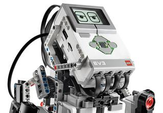 Конструктор-робот, зарядка в форме кредитки и еще 3 гаджета октября