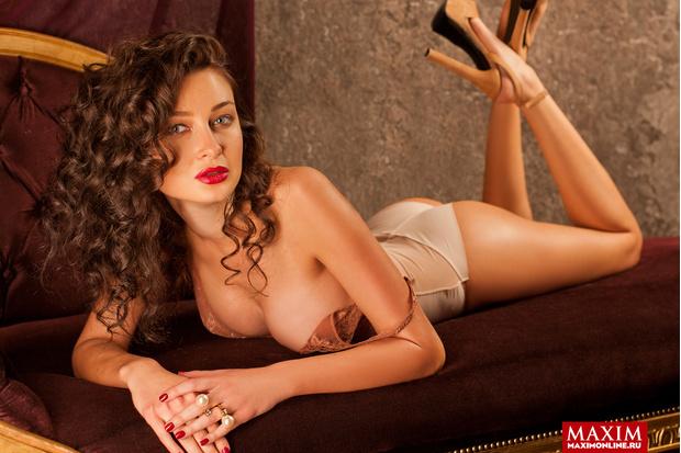 Фото №3 - Модель Юлиана Беляева: «Демонстрировать можно абсолютно все, вплоть до нижнего белья — это не возбраняется»