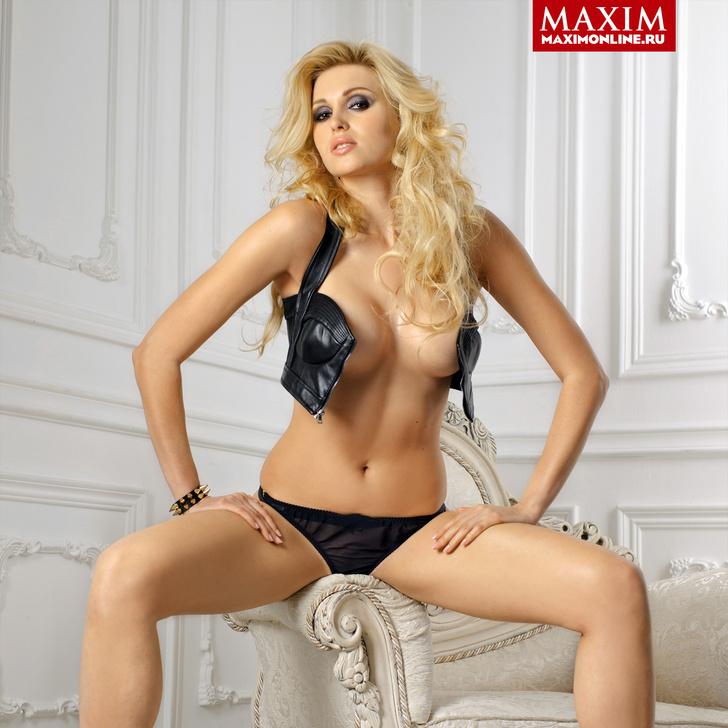 Женя Ярушникова фото в MAXIM