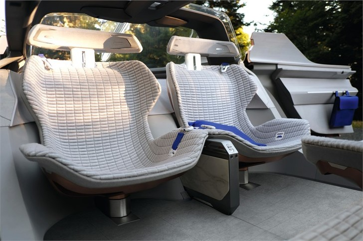 Фото №4 - Renault делает автомобиль будущего частью умного дома