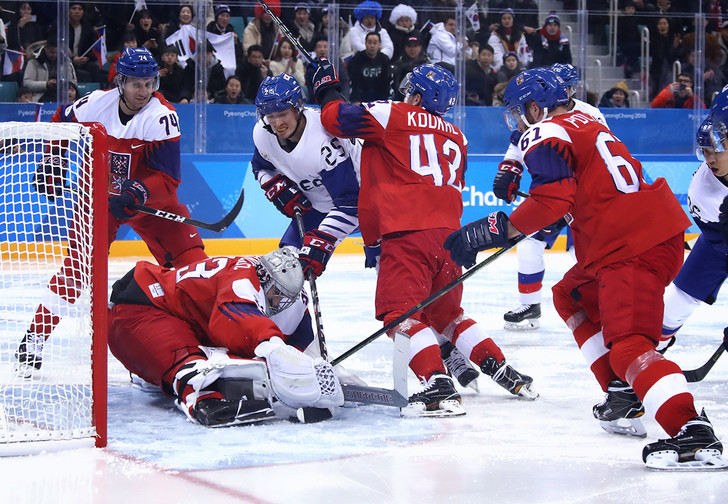 Фото №1 - Куда катится мир! Корейцы едва не победили чехов в хоккей