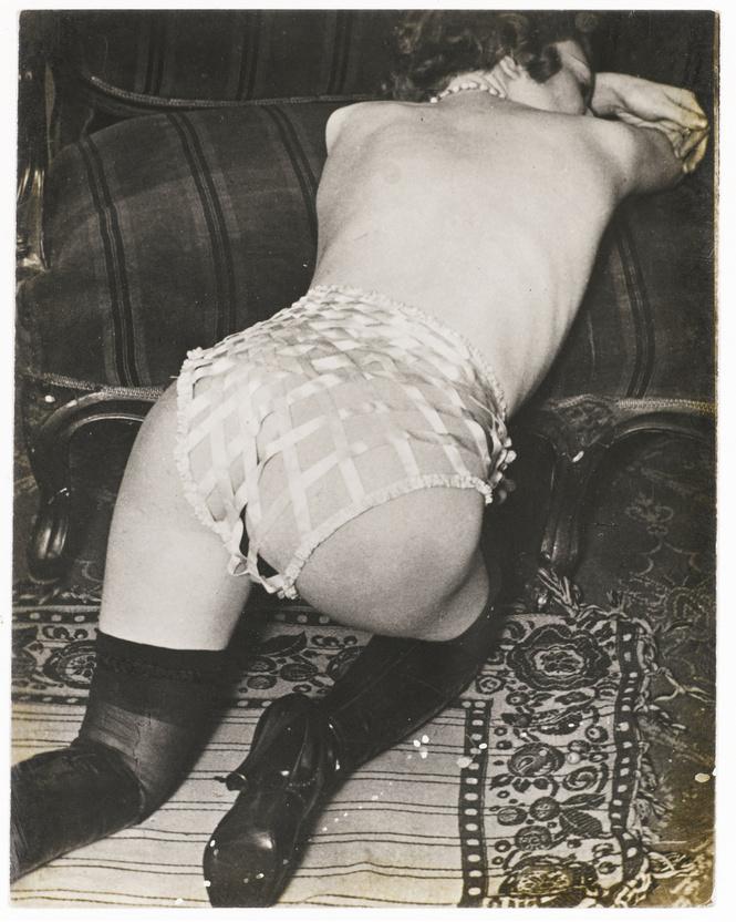 Реклама фетишистского нижнего белья 1920-х годов