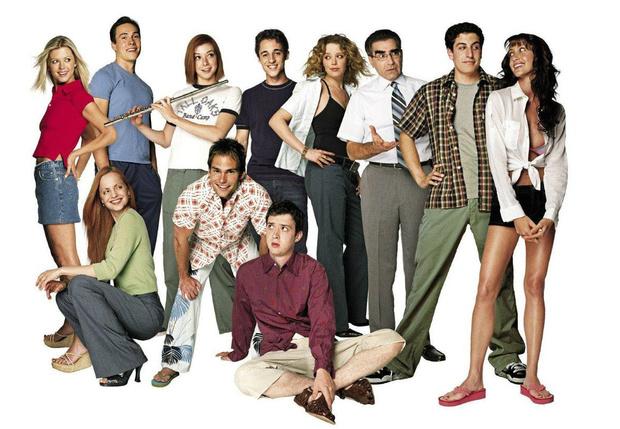 Фото №1 - Фото дня: актеры из «Американского пирога» встретились, чтобы отпраздновать 20-летний юбилей фильма