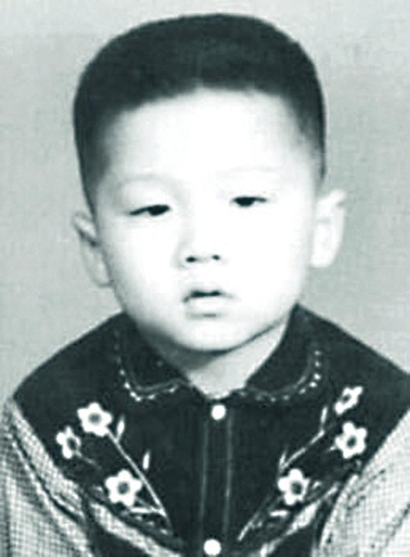 Фото №3 - Успехи бога: жизнь и судьба Джеки Чана, самого неубиваемого актера на Земле