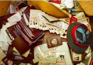 В Москве нашли заброшенный отдел полиции с горами паспортов, личных дел и прочих документов граждан